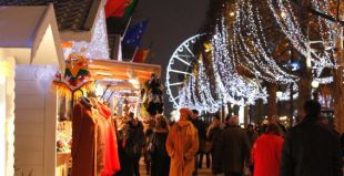 christmas-market-champs-elysees